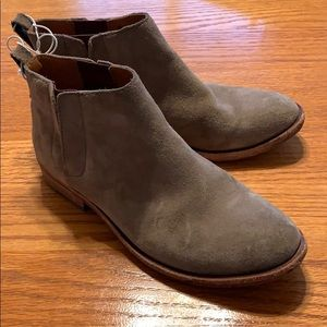 Korkease Velma Taupe Booties size 6 suede